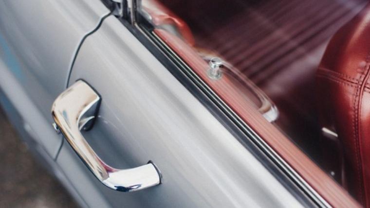 How Do Locksmiths Open Car Doors?